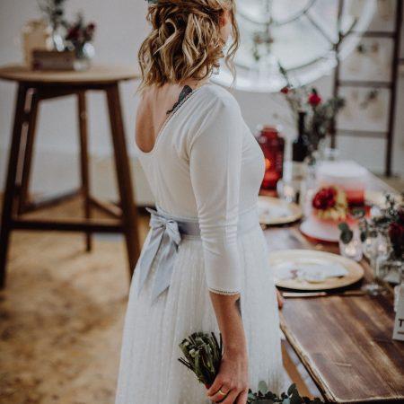 Hochzeitsinspiration Styled Shooting Beere Gold Braut