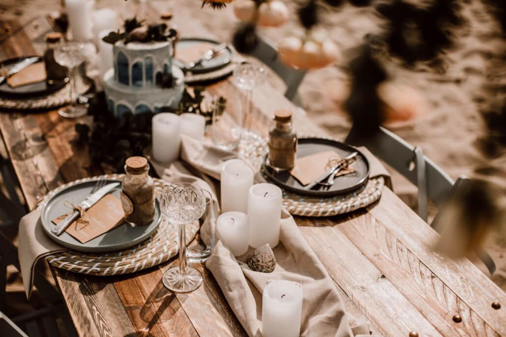 Hochzeitstorte mit Tischdeko Strandhochzeit
