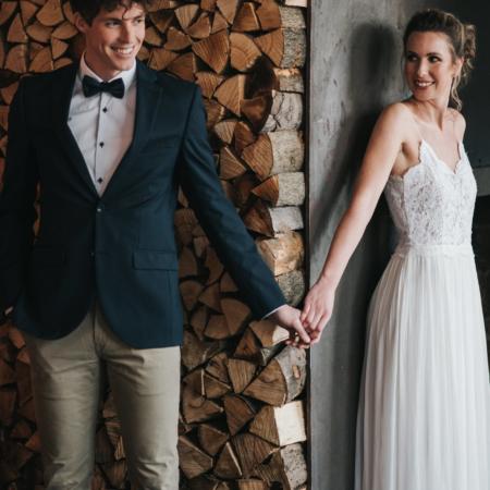 Hochzeitsinspiration Styled Shooting Greenery Gold Urban Wedding First Look