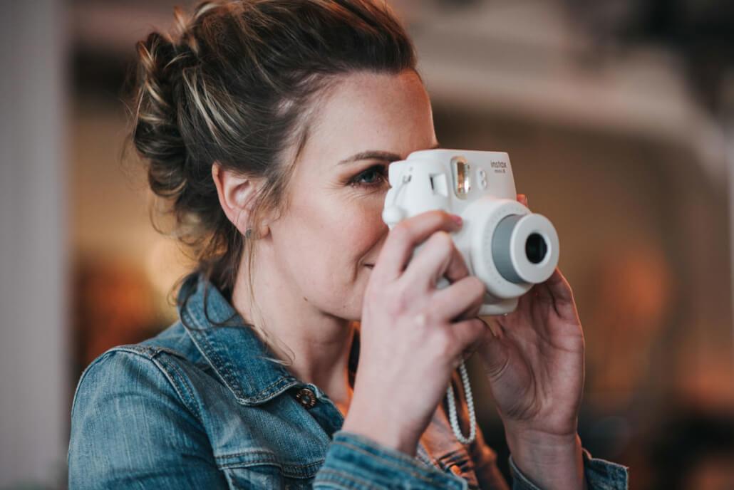Hochzeitsinspiration Styled Shooting Industrial Chic Urban Wedding Polaroid Kamera Instax