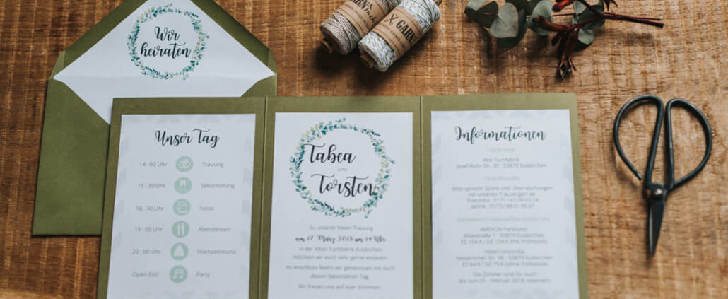 Hochzeitsinspiration Styled Shooting Greenery Gold Urban Wedding Einladung