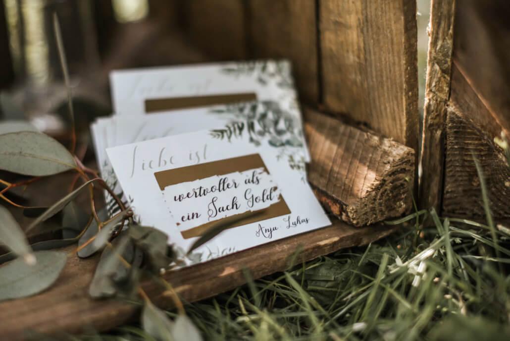 Hochzeitsinspiration Styled Shooting Greenery Gold Gastgeschenk