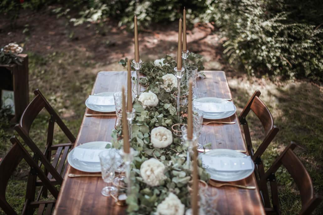 Hochzeitsinspiration Styled Shooting Greenery Gold Tischdeko