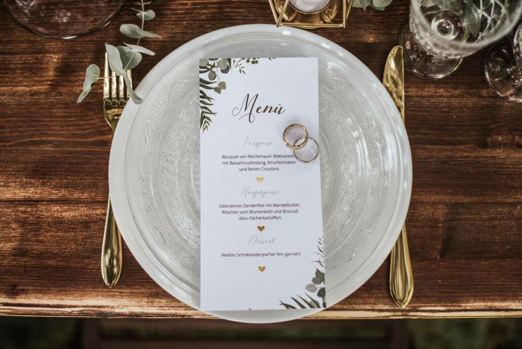 Hochzeitsinspiration Styled Shooting Greenery Gold Hochzeitsmenü