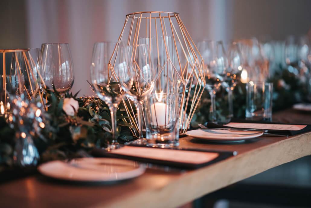 Hochzeitsinspiration Styled Shooting Industrial Chic Urban Wedding Tischdeko