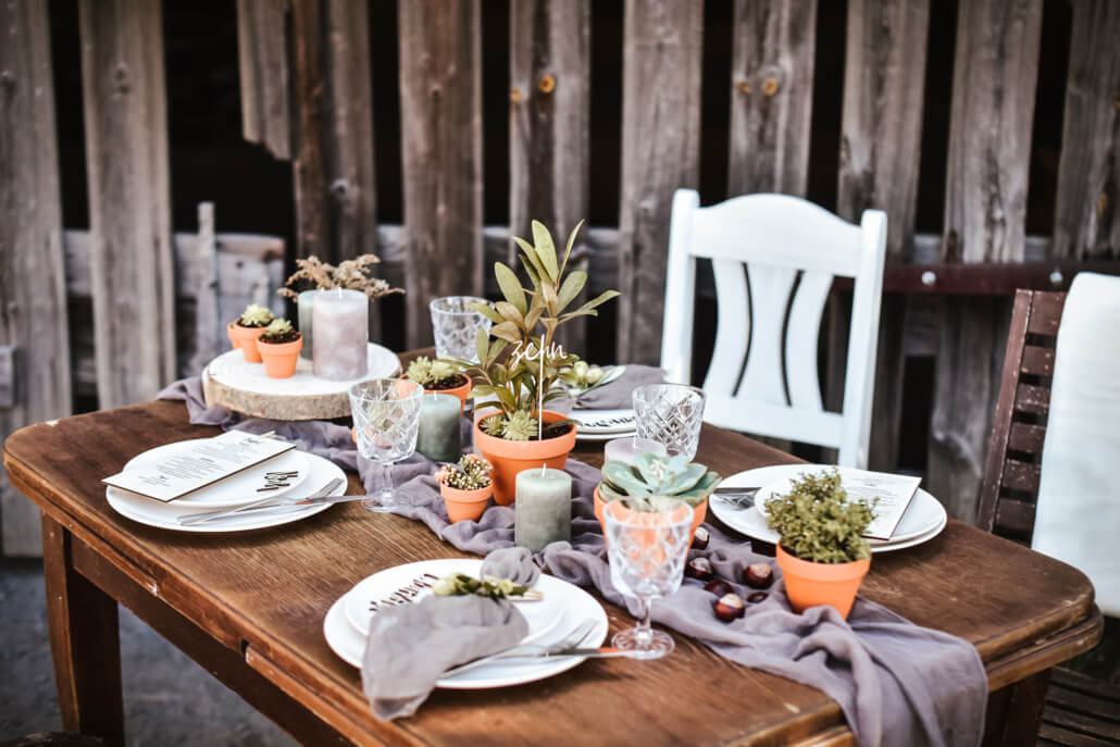 rustikale Scheunenhochzeit Tischdeko