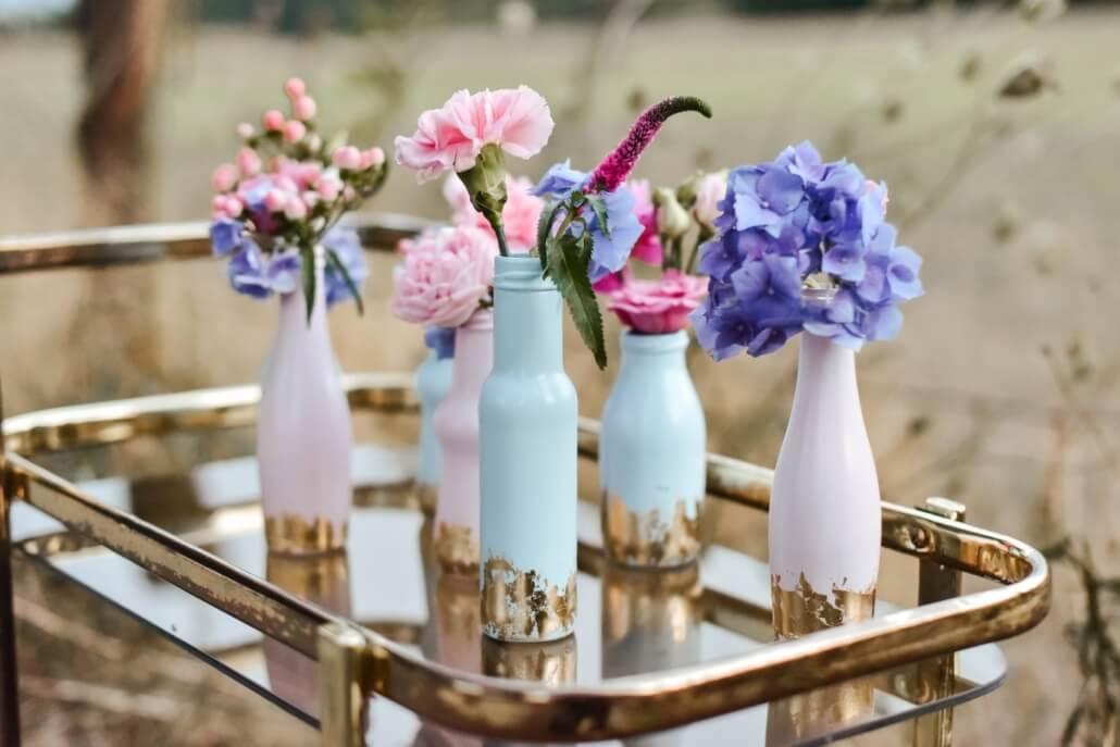 Hochzeitsdeko Blumen Pastell und Gold
