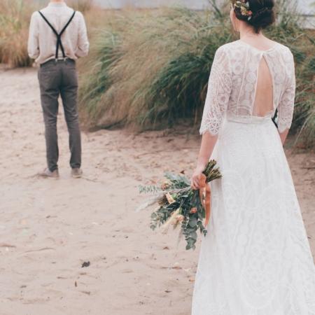 Hochzeitsinspiration Styled Shooting Hippie Yeah Cozy Beachwedding Strandhochzeit Boho Firstlook