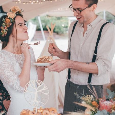 Hochzeitsinspiration Styled Shooting Hippie Yeah Cozy Beachwedding Strandhochzeit Boho Hochzeitstorte