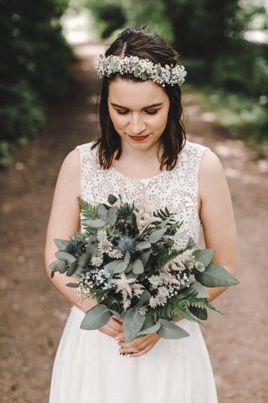 Hochzeitsinspiration Greenery Kupfer Kranich Braut Brautstrauß