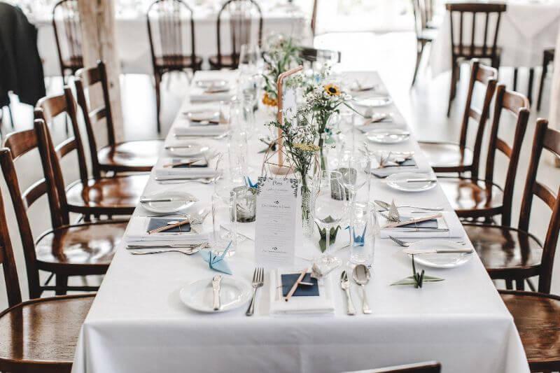 Hochzeitsinspiration Greenery Kupfer Kranich Tischdeko