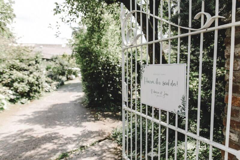 Hochzeitsinspiration Greenery Kupfer Kranich Willkommensschild