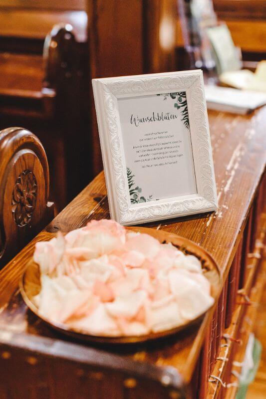 Hochzeitsinspiration Greenery Kupfer Kranich Wunschblüten