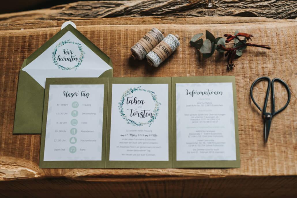 Hochzeitseinladung als Pocketfoldkarte zum Thema Greenery