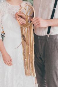 Lebensbaum mit Meilensteinen des Brautpaares bei der freien Trauung als Ritual