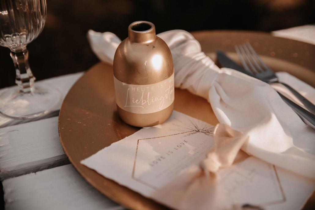 Details der Tischdeko im Boho-Glam Look